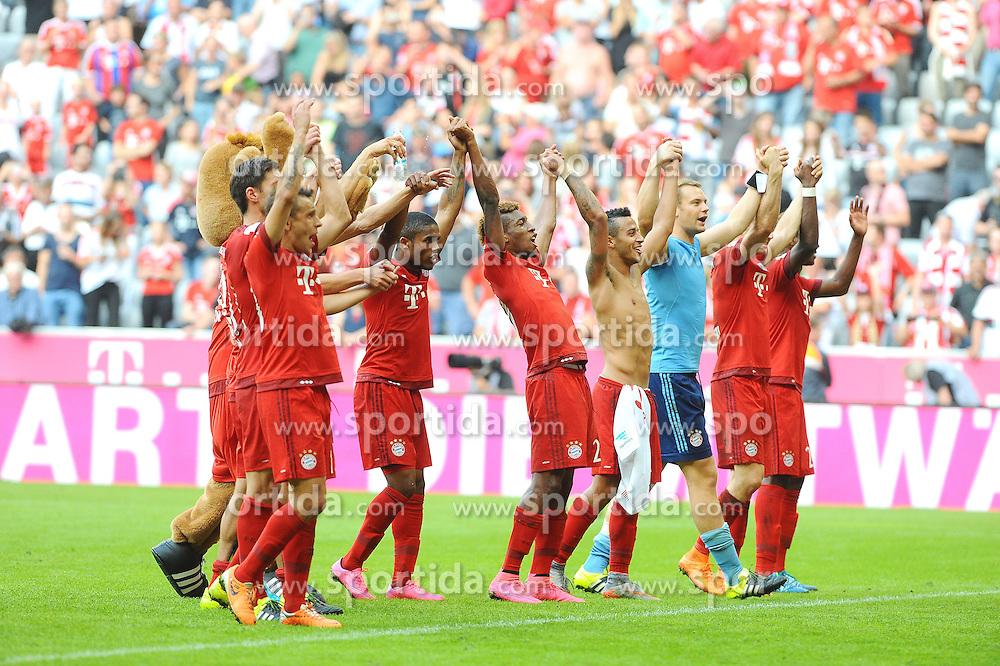 12.09.2015, Allianz Arena, Muenchen, GER, 1. FBL, FC Bayern Muenchen vs FC Augsburg, 4. Runde, im Bild Freude bei Bayern Muenchen nach dem Lastminute Sieg.Bildmitte Neuzugang Kingsley Coman // during the German Bundesliga 4th round match between FC Bayern Munich and FC Augsburg at the Allianz Arena in Muenchen, Germany on 2015/09/12. EXPA Pictures &copy; 2015, PhotoCredit: EXPA/ Eibner-Pressefoto/ Stuetzle<br /> <br /> *****ATTENTION - OUT of GER*****