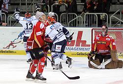 09.10.2011, ISS Dome, Düsseldorf, GER, DEL, 9. Spieltag, GER, DEL, DEG vs. Iserlohn Roosters, im Bild Michael Wolf (Iserlohn #13) jubelt, Jean-Sebastian Aubin (Torwart Düsseldorf) geschlagen im Tor und Simon Danner (Düsseldorf #18) schaut unglaeubig gegen Hallendecke 0:2 nach 10 Min im 1. Drittel....// during the DEL match day 9, DEG vs. Iserlohn Roosters on 2011/10/09, ISS Dome, Duesseldorf, Germany. EXPA Pictures © 2011, PhotoCredit: EXPA/ nph/  Herbst*** Local Caption ***       ****** out of GER / CRO  / BEL ******