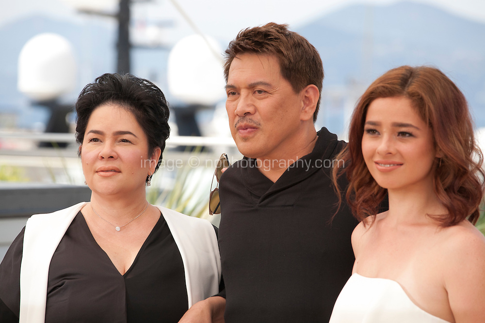 Actress Jaclyn Jose, director Brillante Mendoza and actress Andi Eigenmann at the Ma'rosa film photo call at the 69th Cannes Film Festival Wednesday 18th May 2016, Cannes, France. Photography: Doreen Kennedy