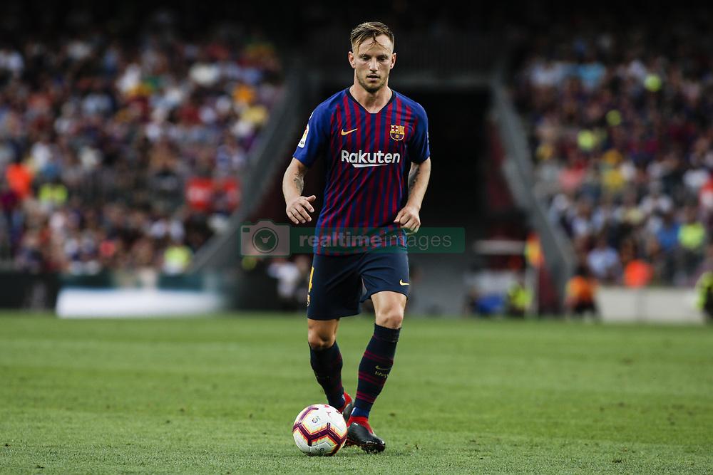 صور مباراة : برشلونة - هويسكا 8-2 ( 02-09-2018 )  20180902-zaa-n230-511