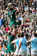 Sebastian De Chaves of Leicester Tigers (left) takes lineout ball during the Aviva Premiership match at Welford Road, Leicester<br /> Picture by Andy Kearns/Focus Images Ltd 0781 864 4264<br /> 06/09/2014