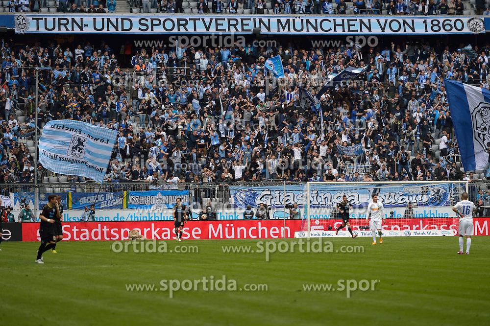 18.04.2015, Allianz Arena, M&uuml;nchen, GER, 2. FBL, TSV 1860 M&uuml;nchen vs VfL Bochum, 29. Runde, im Bild Fans des TSV 1860 Muenchen, Schlussjubel, // during the 2nd German Bundesliga 29th round match between TSV 1860 M&uuml;nchen vs VfL Bochum at the Allianz Arena in M&uuml;nchen, Germany on 2015/04/18. EXPA Pictures &copy; 2015, PhotoCredit: EXPA/ Eibner-Pressefoto/ Buthmann<br /> <br /> *****ATTENTION - OUT of GER*****