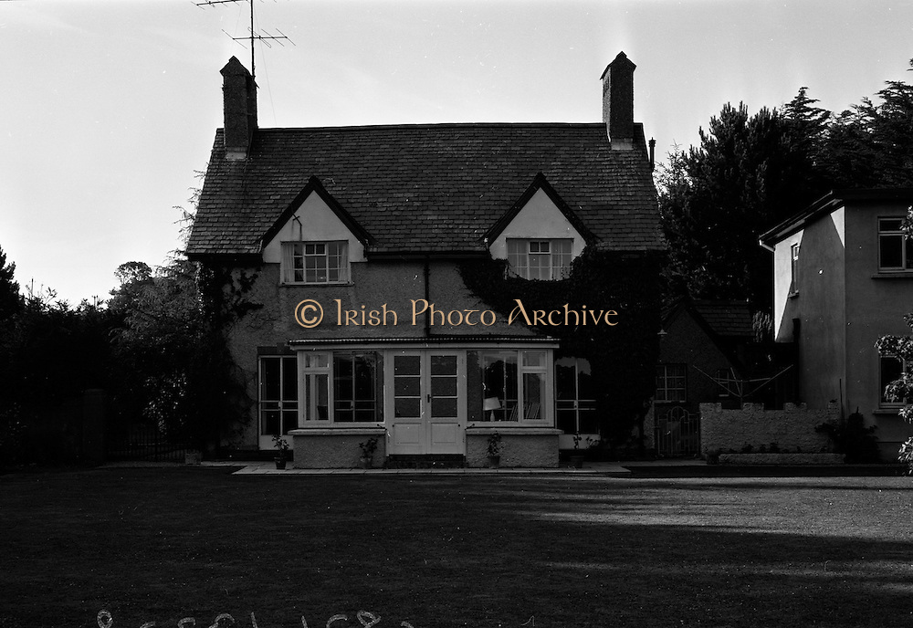 18/07/1967<br /> 07/18/1967<br /> 18 July 1967<br /> Exterior of house in Delany, Co. Wicklow.