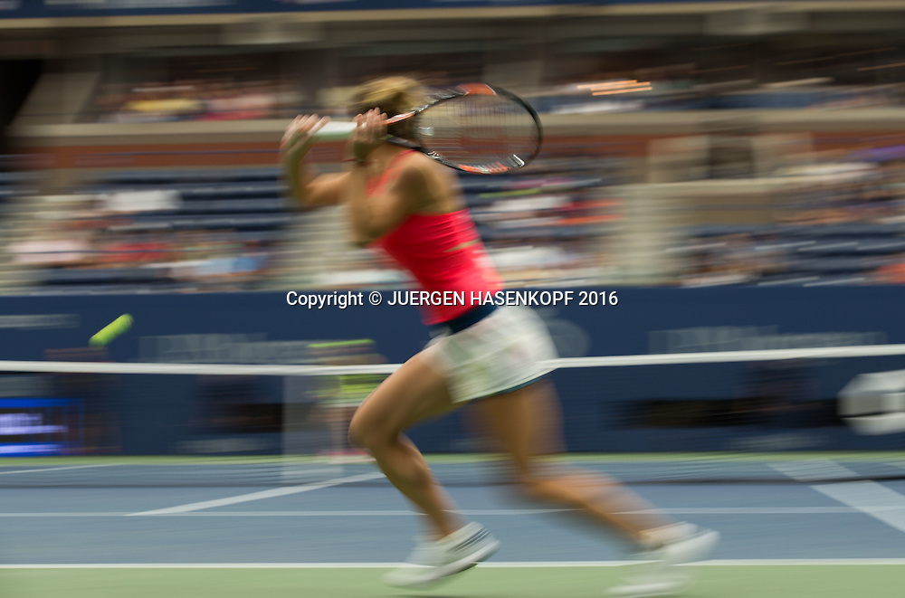 SIMONA HALEP (ROU), Bewegungsunschaerfe,Mitzieher,<br /> <br /> Tennis - US Open 2016 - Grand Slam ITF / ATP / WTA -  USTA Billie Jean King National Tennis Center - New York - New York - USA  - 1 September 2016.