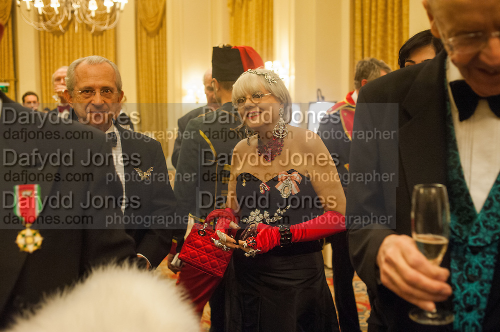 VASCO LANCASTER; MRS. PAULA BOBONE, THE ST PETERSBURG BALL in aid of the Children's Burns Trust. Landmark Hotel. London. 2 February 2013
