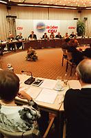 09.01.1999, Deutschland/K&ouml;nigswinter:<br /> Klausurtagung des CDU-Bundesvorstandes, Arbeitnehmerzentrum, K&ouml;nigswinter<br /> IMAGE: 19990108-02/01-34