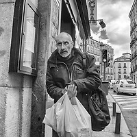 Esta serie de 55 imágenes tomadas en su totalidad en España, muestra gente como es, como nosotros, como somos o como vamos a ser.  Cada uno a verlas se identifica con ellas o no. Son fotos simples, no posadas, en la calle, gente como tu, como yo, gente como nos. This series of 55 images shot entirely in Spain, shows people like you, like us, as we are or will be. Each of them is identified with them or not. They are simple pictures, without posing, on the street, people like you, like me, people like us.Copyright Jimmy Villalta. Abril, 2014