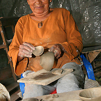 Alberto Carrera, Local People, Clay Craft, Napo River Basin, Amazonia, Ecuador, South America, America<br />