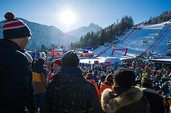 29.12.2017, Hochstein, Lienz, AUT, FIS Weltcup Ski Alpin, Lienz, Riesenslalom, Damen, 1. Lauf, im Bild Besucher im Zielgebiet // Visitors in the Finish Area during the ladie's Giant Slalom of FIS ski alpine world cup at the Hochstein in Lienz, Austria on 2017/12/29. EXPA Pictures © 2017, PhotoCredit: EXPA/ Michael Gruber