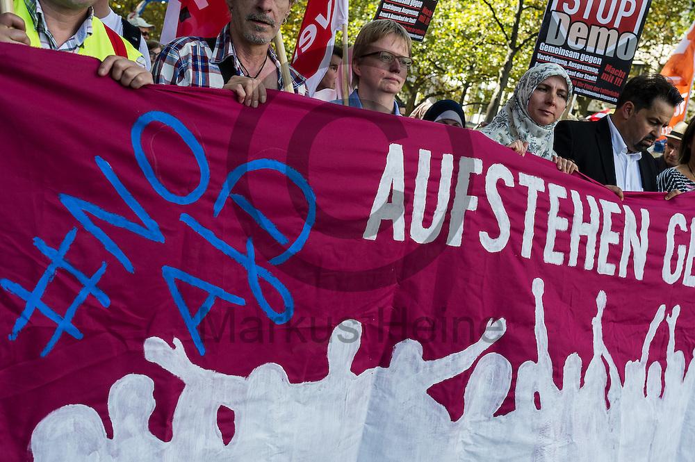 &quot;#no AfD&quot; steht&quot; w&auml;hrend der Demonstration gegen Rassismus und AfD am 03.09.2016 in Berlin, Deutschland auf dem Fronttransparent. Mehrere Tausend Menschen demonstrierten gegen Rassismus und die pechpopulistische AfD. Foto: Markus Heine / heineimaging<br /> <br /> ------------------------------<br /> <br /> Ver&ouml;ffentlichung nur mit Fotografennennung, sowie gegen Honorar und Belegexemplar.<br /> <br /> Bankverbindung:<br /> IBAN: DE65660908000004437497<br /> BIC CODE: GENODE61BBB<br /> Badische Beamten Bank Karlsruhe<br /> <br /> USt-IdNr: DE291853306<br /> <br /> Please note:<br /> All rights reserved! Don't publish without copyright!<br /> <br /> Stand: 09.2016<br /> <br /> ------------------------------