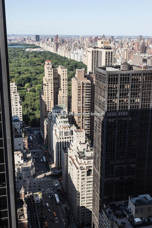 New York. cityscape and central park  skyscrappers , view from above  New York - United states / panorama sur central park et les buildings  New York - Etats unis