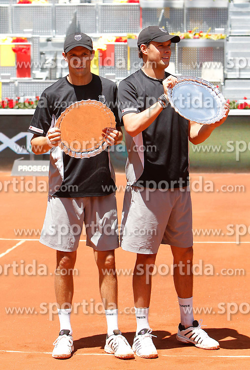 08.05.2011, Madrid, ESP, ATP Tour, Mutua Madrid Open, im Bild Bob Bryan and  Mike Bryan during ATP Doubles Final at Madrid Mutua Madrilena Tennis Open on May 8, 2011, EXPA Pictures © 2011, PhotoCredit: EXPA/ Alterphotos/ ALFAQUI/ Alex Cid-Fuentes