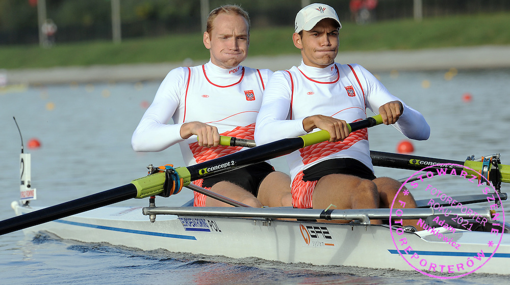 (BOW) DAWID PACZES AND (STROKE) LUKASZ KARDAS (BOTH POLAND) COMPETE IN MEN'S PAIRS RACE DURING REGATTA EUROPEAN ROWING CHAMPIONSHIPS IN BREST, BELARUS...BREST , BELARUS , SEPTEMBER 18, 2009..( PHOTO BY ADAM NURKIEWICZ / MEDIASPORT )..PICTURE ALSO AVAIBLE IN RAW OR TIFF FORMAT ON SPECIAL REQUEST.