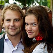 NLD/Amsterdam/20100801 - Inloop premiere musical Crazy Shopping, Marly van der Velden en partner
