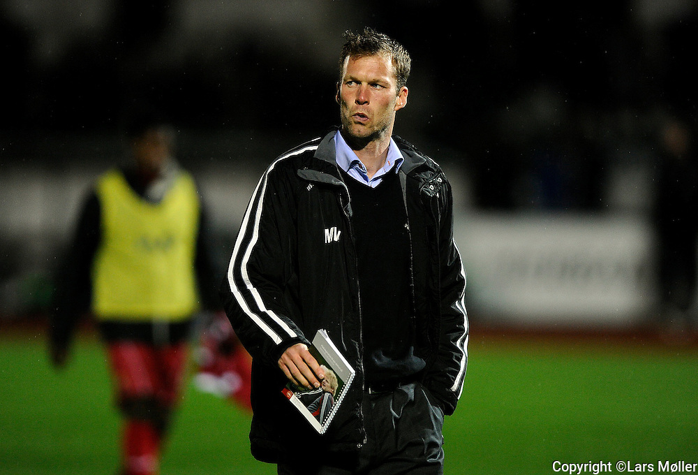 DK:<br /> 20100920, Lyngby, Danmark:<br /> Fodbold Superliga, Lyngby-FC Nordsj&aelig;lland: <br /> Cheftr&aelig;ner Morten Wieghorst, FC Nordsj&aelig;lland, FCN.<br /> Foto: Lars M&oslash;ller<br /> UK: <br /> 20100920, Lyngby, Denmark:<br /> Football Superleague, Lyngby-FC Nordsj&aelig;lland: <br /> Cheftr&aelig;ner Morten Wieghorst, FC Nordsj&aelig;lland, FCN.<br /> Photo: Lars Moeller