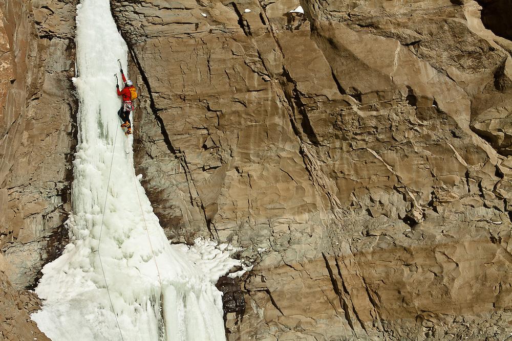 Kevin Craig climbs Broken Hearts in Cody, Wyoming, USA