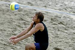 24-08-2006: VOLLEYBAL: NESTEA EUROPEAN CHAMPIONSHIP BEACHVOLLEYBALL: SCHEVENINGEN<br /> Reinder Nummerdor<br /> ©2006-WWW.FOTOHOOGENDOORN.NL
