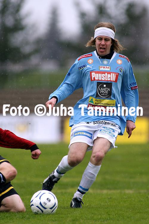 05.05.2007, Pori..Kakkonen 2007, lohko B.Porin Palloilijat - KOO-VEE Tampere.Teemu Vihtil? - PoPa.©Juha Tamminen.....ARK:k