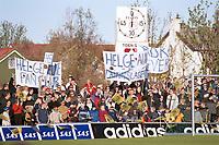 Helge Aune-supportere. Bodø/Glimt - Rosenborg 0-3, Tippeligaen 2000, 22. mai 2000. (Foto: Peter Tubaas/Fortuna Media AS)