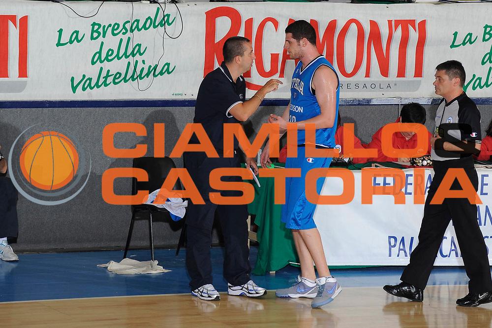 DESCRIZIONE : Bormio Torneo Internazionale Maschile Diego Gianatti Italia Senegal<br /> GIOCATORE : Valerio Amoroso Walter De Raffaele<br /> SQUADRA : Italia Italy<br /> EVENTO : Raduno Collegiale Nazionale Maschile <br /> GARA : Italia Senegal<br /> DATA : 17/07/2009 <br /> CATEGORIA : <br /> SPORT : Pallacanestro <br /> AUTORE : Agenzia Ciamillo-Castoria/G.Ciamillo