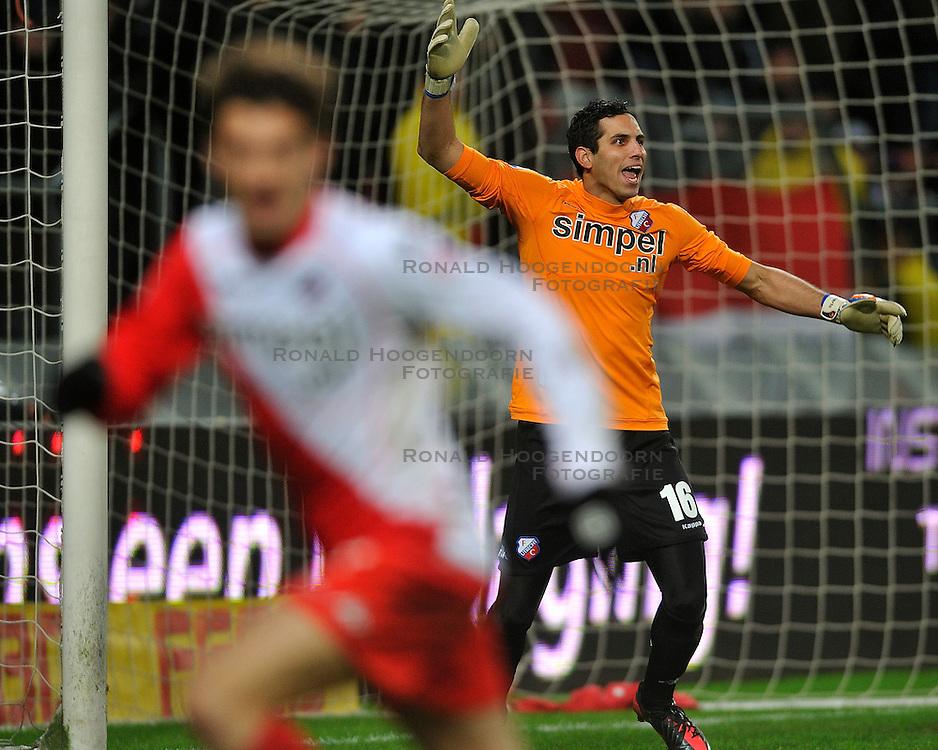 22-01-2012 VOETBAL: FC UTRECHT - PSV: UTRECHT<br /> Utrecht speelt gelijk tegen PSV 1-1 / Roberto Fernandez <br /> ©2012-FotoHoogendoorn.nl