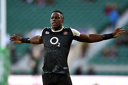 Maro Itoje of England in action during the pre-match warm-up - Mandatory byline: Patrick Khachfe/JMP - 07966 386802 - 03/11/2018 - RUGBY UNION - Twickenham Stadium - London, England - England v South Africa - Quilter International