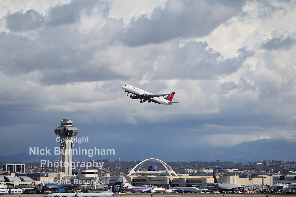 LOS ANGELES, CALIFORNIA, USA - MARCH 8, 2013 - Delta Airlines Airbus A320-212 takes off from Los Angeles Airport on March 8, 2013. The plane has a range of 5,900 km with 150 seats.