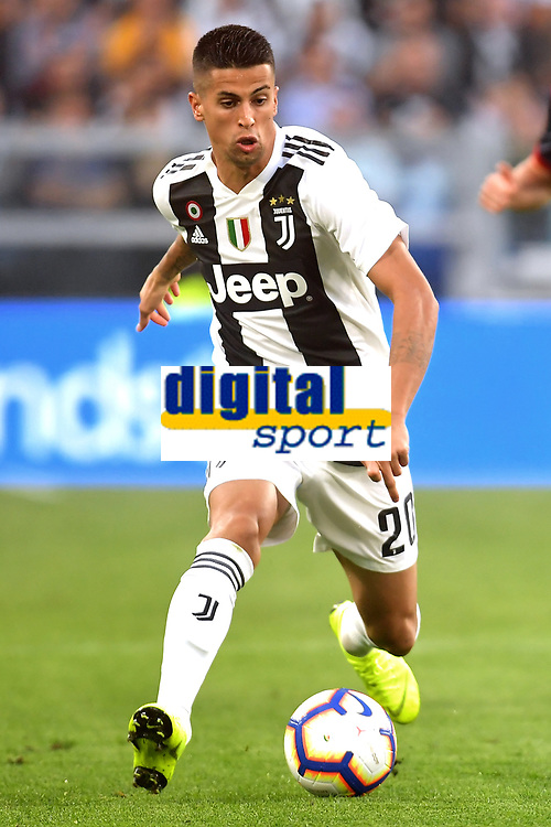 Joao Cancelo of Juventus in action during the Serie A 2018/2019 football match between Juventus and Genoa CFC at Allianz Stadium, Turin, October, 20, 2018 <br />  Foto Andrea Staccioli / Insidefoto