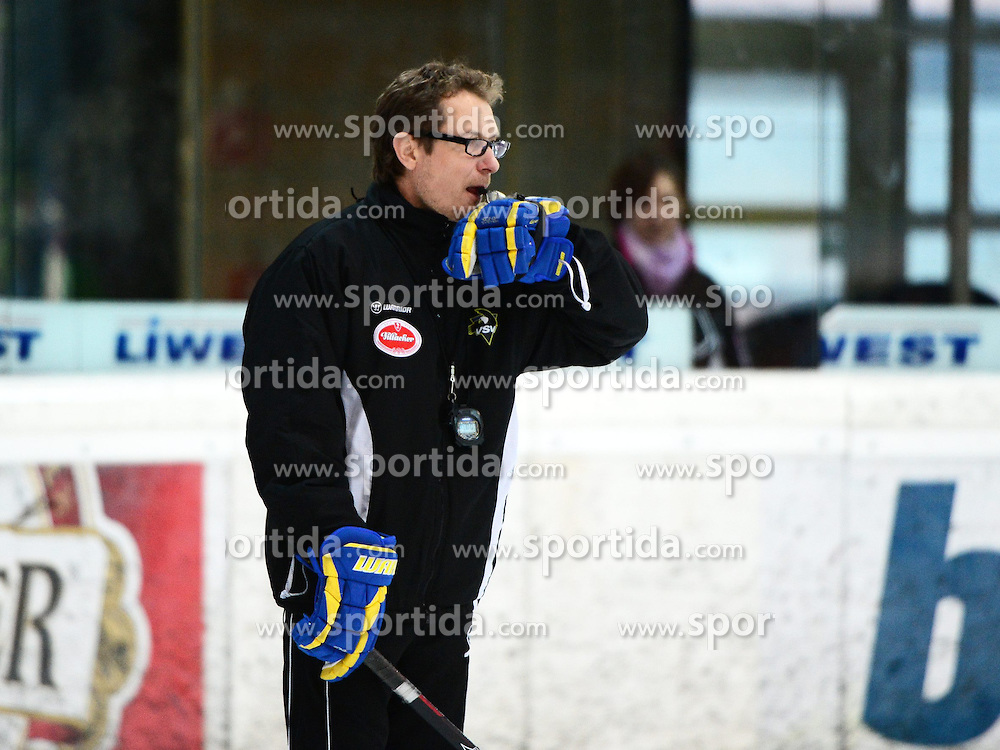 10.03.2013, Keine Sorgen Eisarena, Linz, AUT, EBEL, EHC Liwest Black Wings Linz vs EC VSV, Playoff best of seven, 7. Runde, Abschlusstraining, im Bild Hanni Jaervenpaeae, Trainer (EC VSV, #) // during the Erste Bank Icehockey League playoff best of seven, morning skate 7th round between EHC Black Wings Linz and EC VSV at the Keine Sorgen Icearena, Linz, Austria on 2013/03/10. EXPA Pictures © 2013, PhotoCredit: EXPA/ Reinhard Eisenbauer