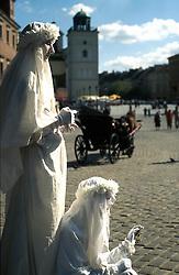 POLAND WARSAW AUG96 - Mystical bubble-blowers in Warsaw's Old Town.<br /> <br /> jre/Photo by Jiri Rezac<br /> <br /> &copy; Jiri Rezac 1996<br /> <br /> Tel:   +44 (0) 7050 110 417<br /> Email: info@jirirezac.com<br /> Web:   www.jirirezac.com