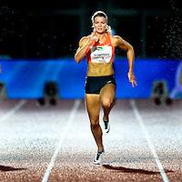 Nederland, Amsterdam, 05-09-2015.<br /> Atletiek, Internationaal, Vrouwen, Flame Games.<br /> Dafne Schippers ( midden ) versnelt in de finale en finisht in een tijd van 11,12 seconden.<br /> Foto : Klaas Jan van der Weij