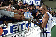 Palasport Remo Maggetti Roseto degli Abruzzi<br /> Italia-Inghilterra <br /> Nella foto: Carlton Myers<br /> Foto Ciamillo