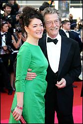 January 28, 2017 - Cannes, France - JOHN HURT & ANN REES MEYERS - MONTEE DES MARCHES DE 'INDIANA JONES 4' - 61EME FESTIVAL DE CANNES 2008 (Credit Image: © Visual via ZUMA Press)