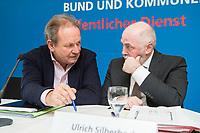 08 FEB 2018, BERLIN/GERMANY:<br /> Frank Bsirske (L), Vorsitzender ver.di, Ulrich Silberbach (R), Bundesvorsitzender dbb, nach einer Pressekonferenz der Dienstleistungsgewerkschaft ver.di und des Deutschen Beamtenbundes, dbb,  zur Einkommensrunde Bund un Kommunen im &Ouml;ffentlichen Dienst, Hotel Melia<br /> IMAGE: 20180208-01-058<br /> KEYWORDS: Gespr&auml;ch