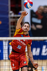 13-04-2019 NED: Achterhoek Orion - Draisma Dynamo, Doetinchem<br /> Orion win the fourth set and play the final round against Lycurgus. Dynamo won 2-3 / Renzo Verschuren #9 of Dynamo