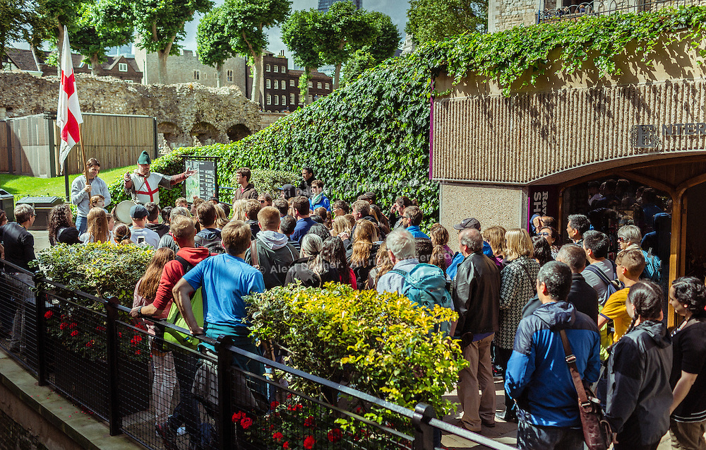 Tower Of London Actor Storytelling A Crowd Of Tourists - London, England, 2016