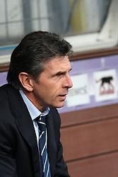 Lyon coach Claude Puel. Toulouse v Olympique Lyonnais, Ligue 1, Stade Municipal, Toulouse, France, 7th Feb 2010.