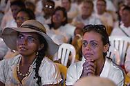 Cartagena de Indias, Bol&iacute;var, Colombia - 26.09.2016        <br /> <br /> With tears of joy a woman follows the signing ceremony of the peace treaty between the FARC and the Colombian government in Cartagena. On 2nd October follows a peace referendum takes place about the end of the 52 years ongoing civil war between the marxist FARC-EP guerrilla and the government.<br /> <br /> Mit Freudentraenen verfolgt eine Frau den Friedensvertragsunterzeichnung.  Zeremonie zwischen der FARC und der kolumbianische Regierung in Cartagena. Am 02. Oktober folgt eine Volksabstimmung &uuml;ber das Ende des seit 52 Jahren dauernden B&uuml;rgerkrieges zwischen der marxistischen FARC-EP Guerilla und der Regierung statt.<br /> <br /> Photo: Bjoern Kietzmann