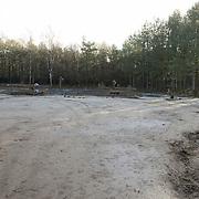 NLD/Bussum/20131219 - Perspresentatie nieuwe real life soap Utopia, de akker waar de bewoners groenten o moeten gaan verbouwen