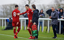 DERBY, ENGLAND - Friday, March 8, 2019: Liverpool's Alex Oxlade-Chamberlain (L) is replaced by substitute Isaac Christie-Davies during the FA Premier League 2 Division 1 match between Derby County FC Under-23's and Liverpool FC Under-23's at the Derby County FC Training Centre. (Pic by David Rawcliffe/Propaganda)