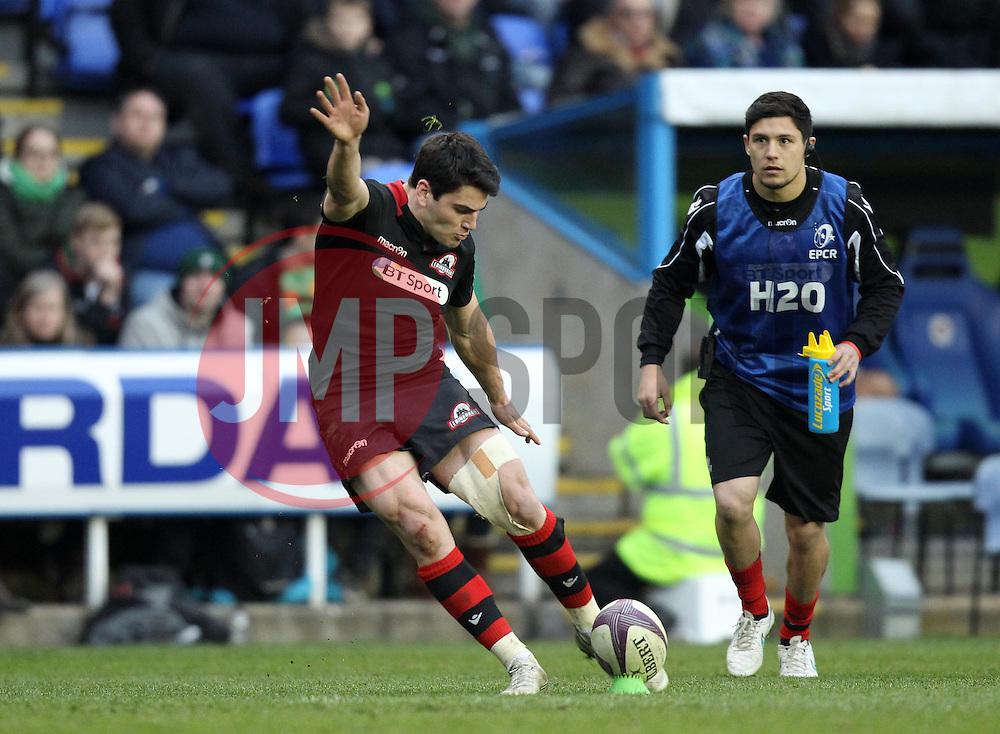 Edinburgh's Sam Hidalgo-Clyne kicks a conversion - Photo mandatory by-line: Robbie Stephenson/JMP - Mobile: 07966 386802 - 05/04/2015 - SPORT - Rugby - Reading - Madejski Stadium - London Irish v Edinburgh Rugby - European Rugby Challenge Cup
