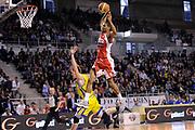 DESCRIZIONE : Ancona Lega A 2011-12 Fabi Shoes Montegranaro Scavolini Siviglia Pesaro<br /> GIOCATORE : James White<br /> CATEGORIA : schiacciata<br /> SQUADRA : Scavolini Siviglia Pesaro<br /> EVENTO : Campionato Lega A 2011-2012<br /> GARA : Fabi Shoes Montegranaro Scavolini Siviglia Pesaro<br /> DATA : 01/04/2012<br /> SPORT : Pallacanestro<br /> AUTORE : Agenzia Ciamillo-Castoria/C.De Massis<br /> Galleria : Lega Basket A 2011-2012<br /> Fotonotizia : Ancona Lega A 2011-12 Fabi Shoes Montegranaro Scavolini Siviglia Pesaro<br /> Predefinita :