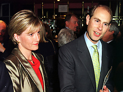 TRH The EARL & COUNTESS OF WESSEX, at a party in London on 12th October 1999.MXM 37