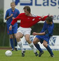 Fotball. Privatlandskamp U21. Sandefjord. 20.05.2002.<br /> Norge v Nederland 1-1.<br /> Andre Muri, Norge og Stabæk.<br /> Eddy Putter, Nederland og RKC Waalwijk.<br /> Foto: Morten Olsen, Digitalsport