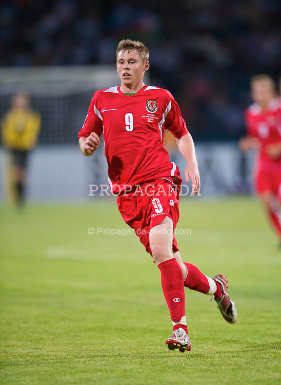 BAKU, AZERBAIJAN - Saturday, June 6, 2009: Wales' Simon Church in action against Azerbaijan during the 2010 FIFA World Cup Qualifying Group 4 match at the Tofig Bahramov Stadium. (Pic by David Rawcliffe/Propaganda)
