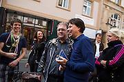 Frankfurt am Main | 26 Apr 2014<br /> <br /> Am Samstag (26.04.2014) veranstalten Aktivisten der rechtspopulistischen AfD (Alternative f&uuml;r Deutschland) auf der Leipziger Stra&szlig;e in Frankfurt-Bockenheim einen Infostand, sie versuchen, Infomaterial und Flugbl&auml;tter an Passanten zu verteilen, um f&uuml;r die Partei im laufenden Europawahlkampf zu werben.<br /> Die AfD-Wahlk&auml;mpfer werden durchgehend von etwa 50 linksradikalen Aktivisten gest&ouml;rt und behindert.<br /> hier: Der Frankfurter AfD-Aktivist Hans-Peter Brill (im Regionalvorstand der Partei, Bildmitte, graue Jacke) wird von linken Aktivisten mit Konfetti beworfen. <br /> <br /> &copy;peter-juelich.com<br /> <br /> [No Model Release | No Property Release]