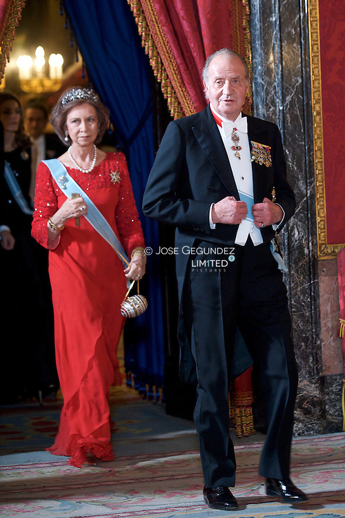 King Juan Carlos of Spain, Queen Sofia of Spain, Prince Felipe of Spain, and Princess Letizia of Spain attend a Gala Dinner honouring President of the Socialist Republic of Vietnam, Mr. Nguyen Minh Triet and Mrs. Triet at the Royal Palace on December 14, 2009 in Madrid, Spain.