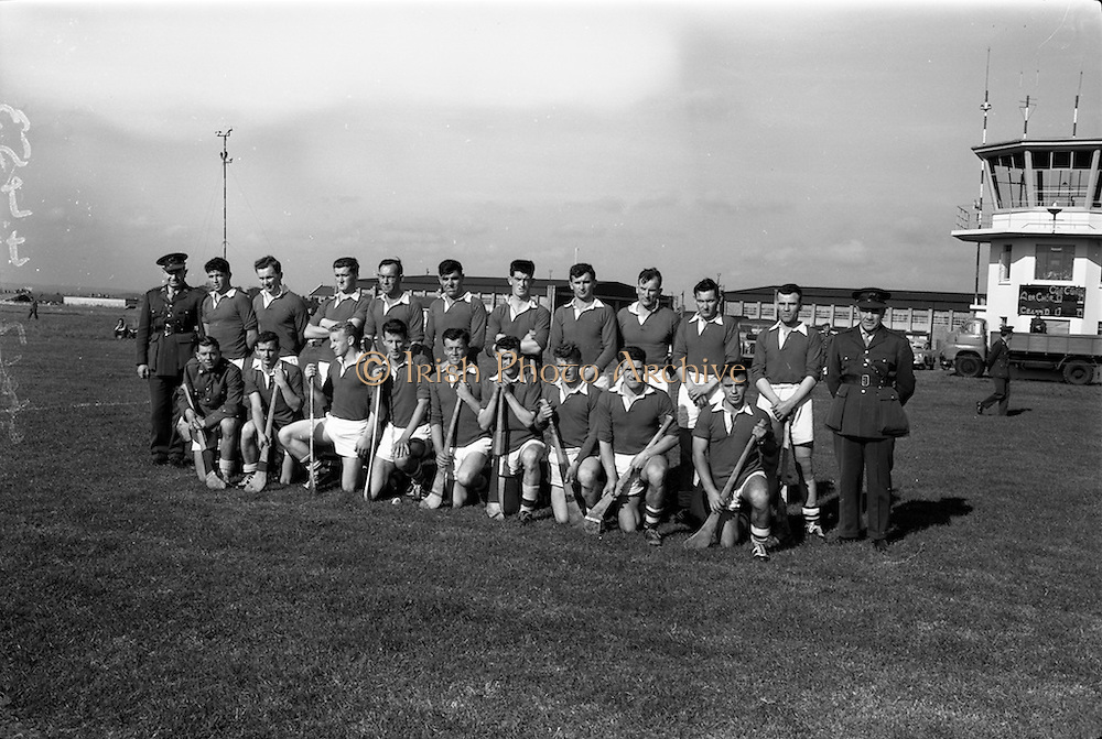 30/09/1964<br /> 09/30/1964<br /> 30 September 1964<br /> Air Corps v Southern Command at Baldonnel.<br /> Southern Command team.