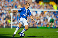LIVERPOOL, ENGLAND - Sunday, September 20, 2009: Everton's Leon Osman in action against Blackburn Rovers during the Premiership match at Goodison Park. (Pic by David Rawcliffe/Propaganda)