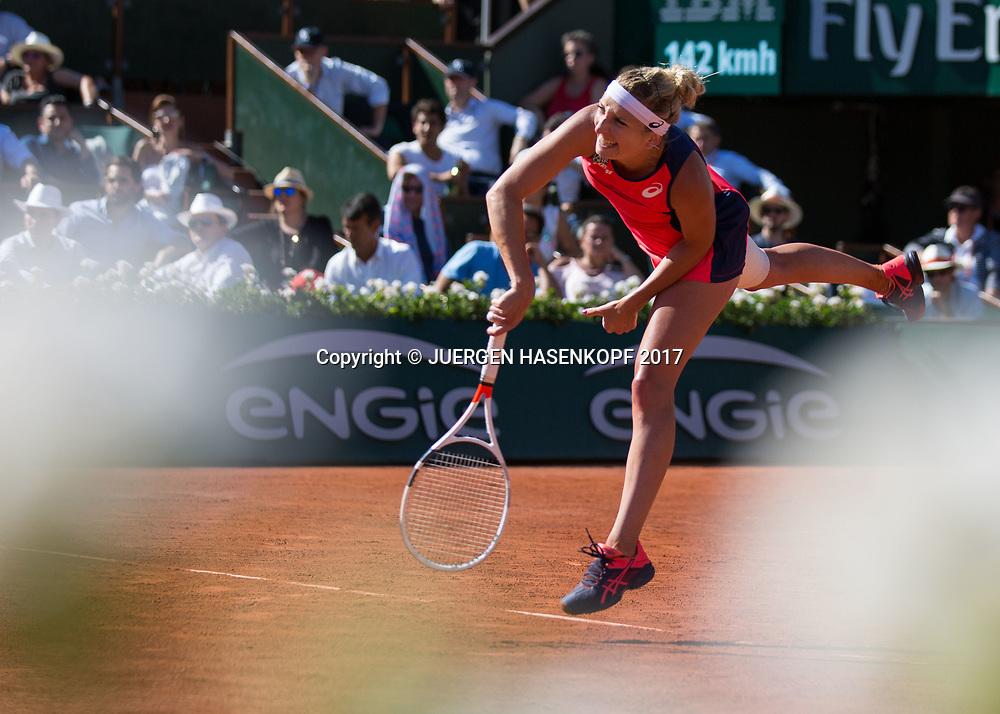TIMEA BACSINSZKY (SUI),Blumen unscharf im Vordergrund,<br /> <br /> Tennis - French Open 2017 - Grand Slam / ATP / WTA / ITF -  Roland Garros - Paris -  - France  - 8 June 2017.